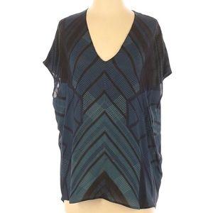 Vince Cocoon Top Silk Geometric Print V-neck Soft